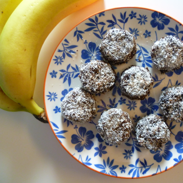 4-Ingredient-Chocolate-Peanut-Butter-Banana-Bites-London-Nutritionist-Milena-Kaler